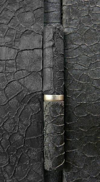 отделка входной двери кожа крокодила