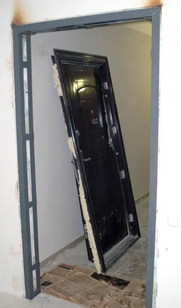 проем для металлической двери 850